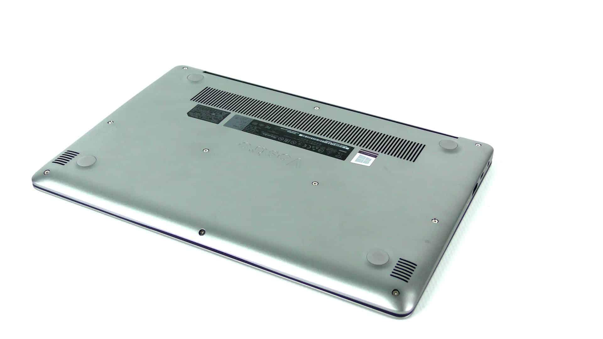 Dell Vostro 5370 - spód komputera