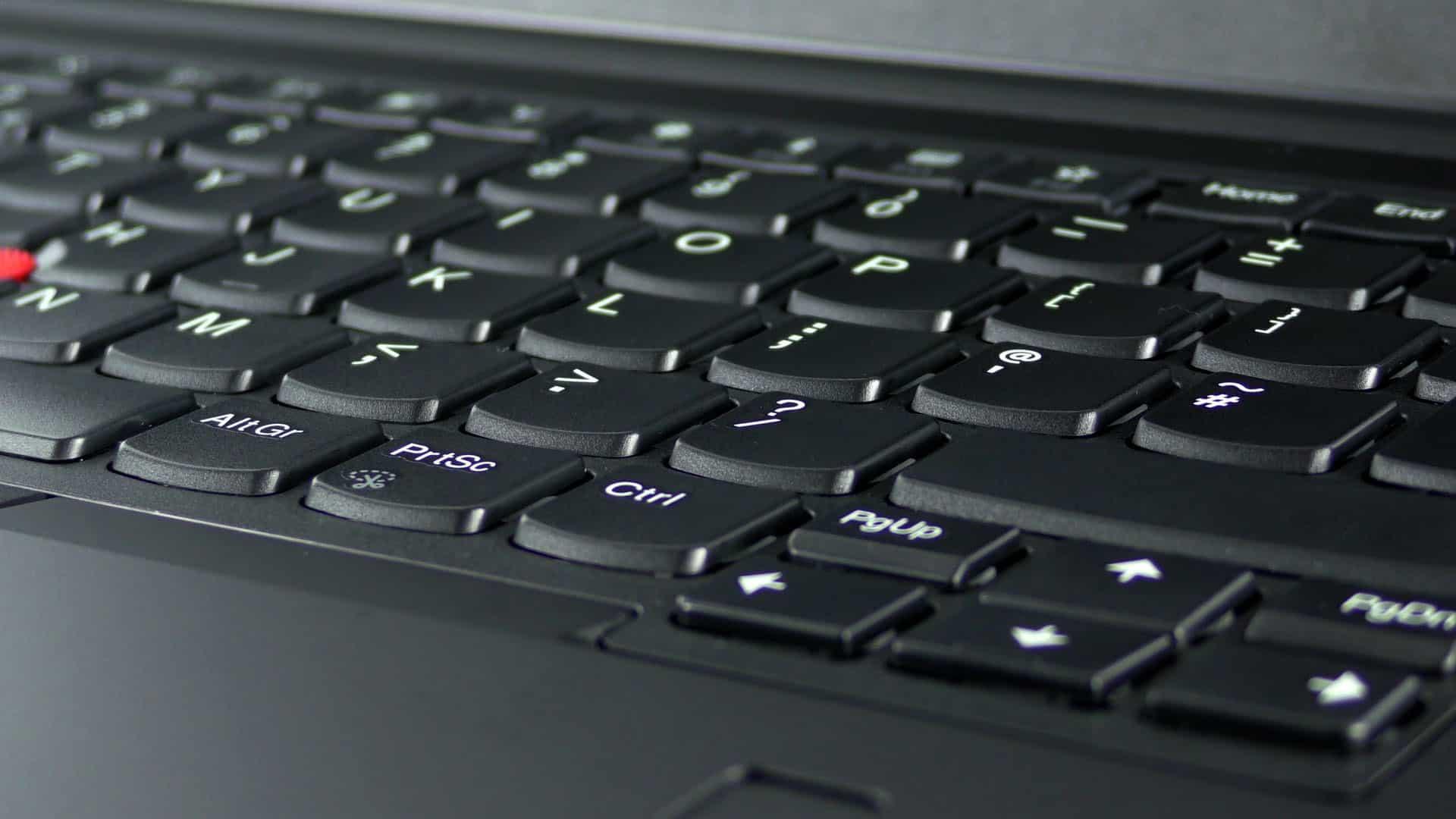 Lenovo ThinkPad E480 - wyspowa klawiatura