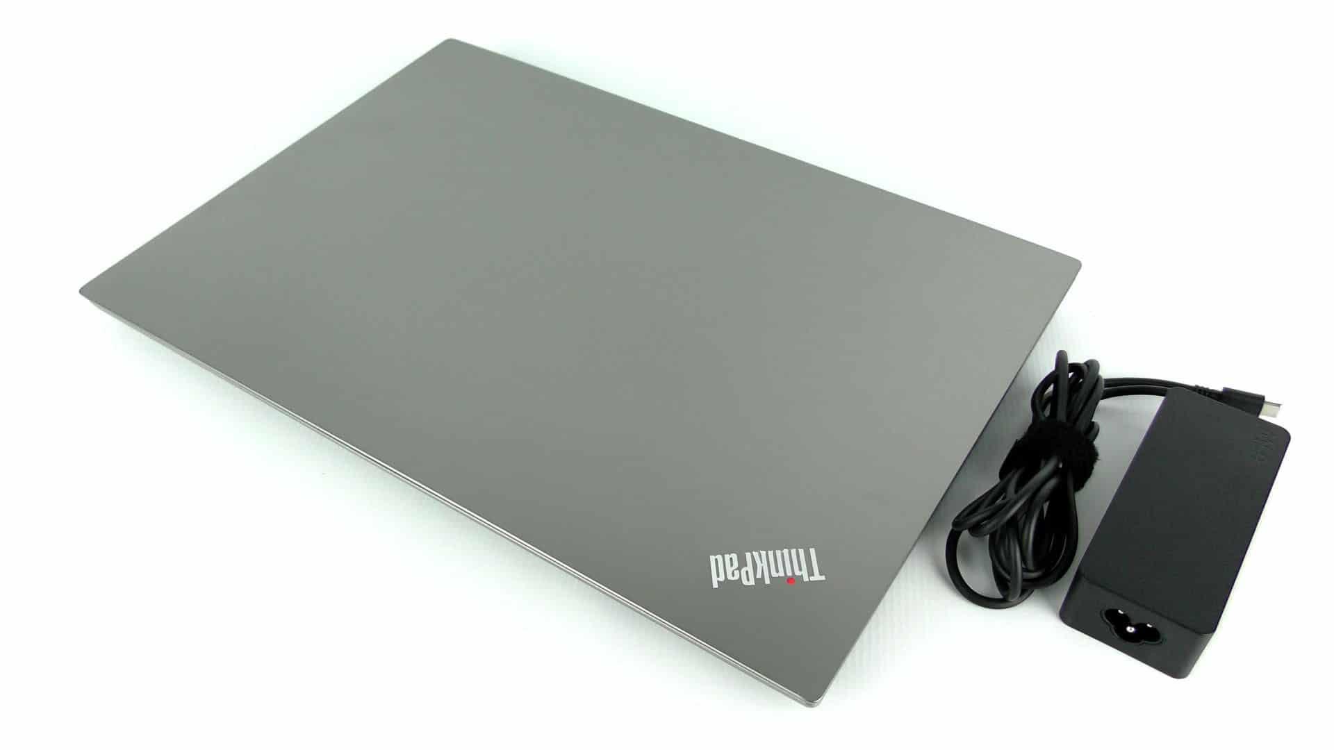 Lenovo ThinkPad E580 zzasilaczem
