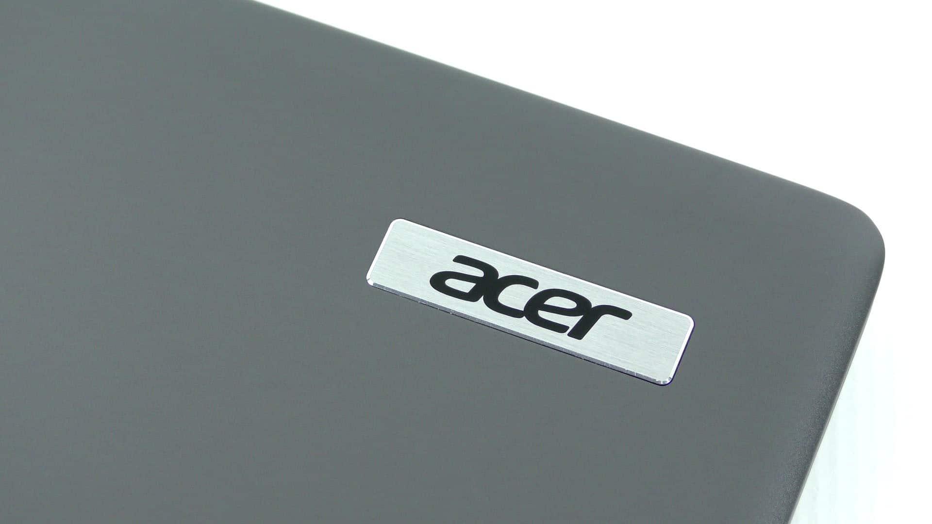Acer TravelMate X349 - cała obudowa to aluminium