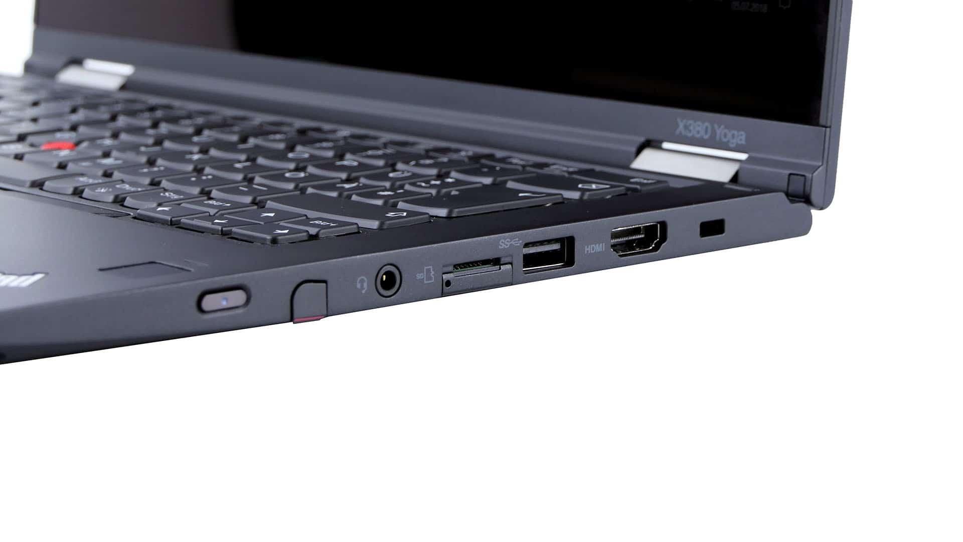 Porty islotyna prawym boku - slot dla piórka , combo jack, slot nakartę SIM, USB 3.0, HDMI