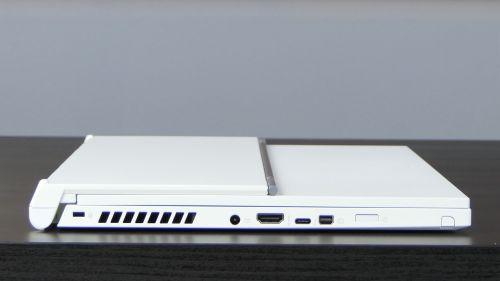 Acer ConceptD 3 Ezel (15) - porty naboku prawym