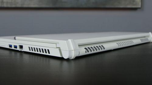 Acer ConceptD 3 Ezel (15) - dysze układu chłodzenia