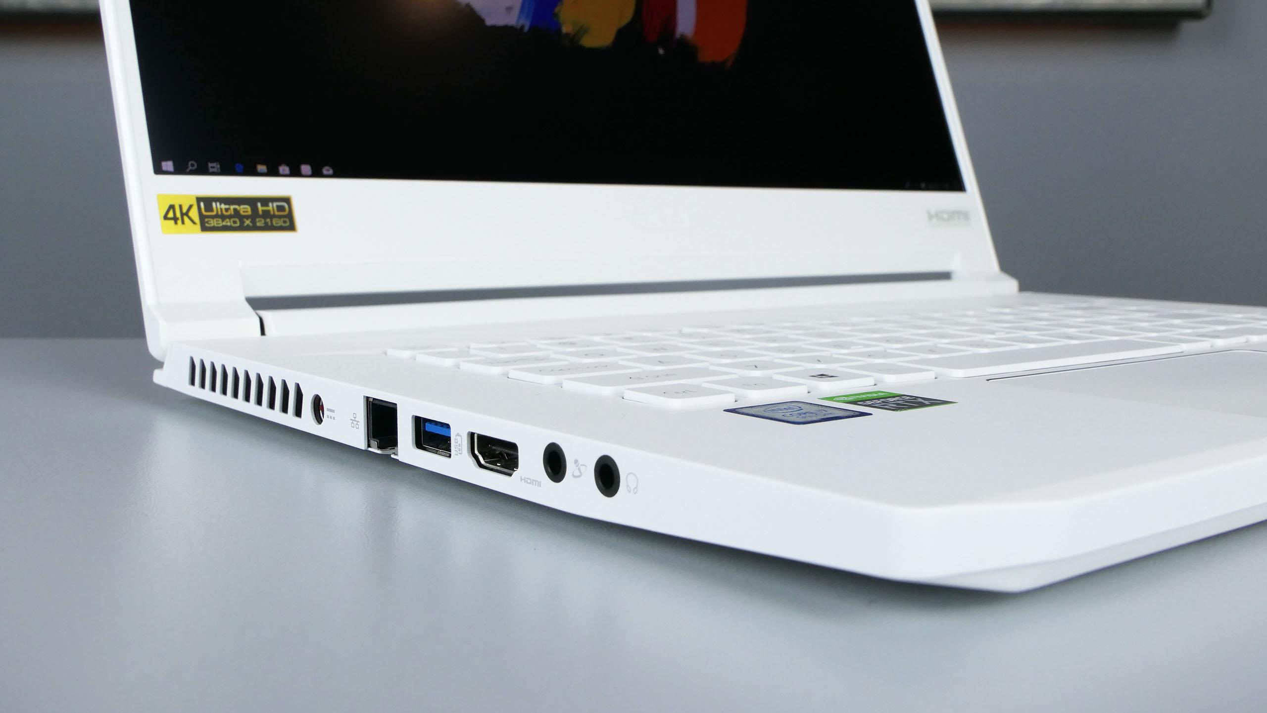 Acer ConceptD 7 - porty zlewej strony: zasilanie, LAN, USB 3.0, HDMI, wyjście iwejście audio