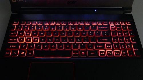 Acer Nitro 5 2020 - podświetlenie RGB