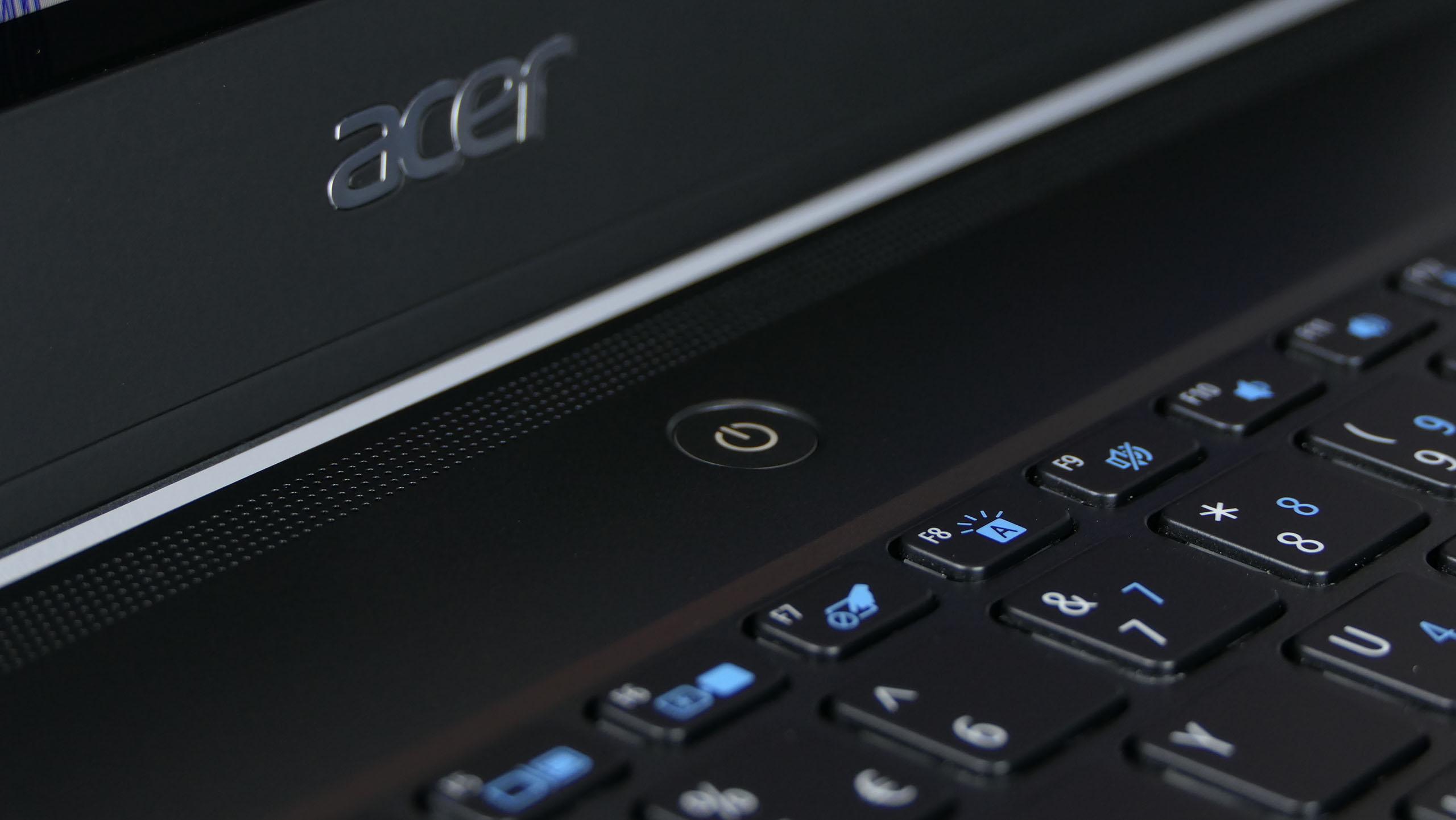 Acer TravelMate P614 - przycisk zasilania i czytnik linii papilarnych w jednym