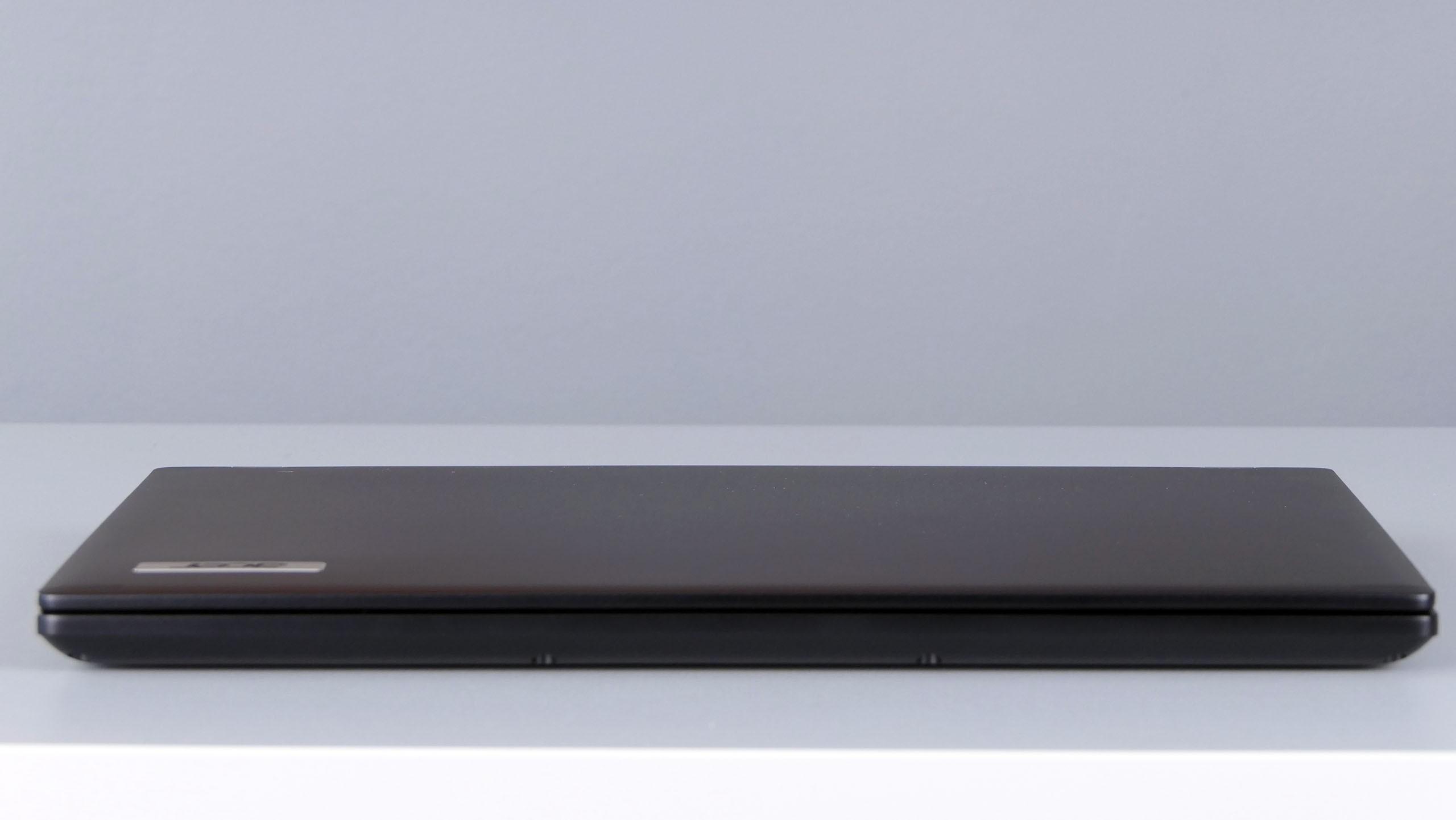 Acer TravelMate X3410 - przód notebooka