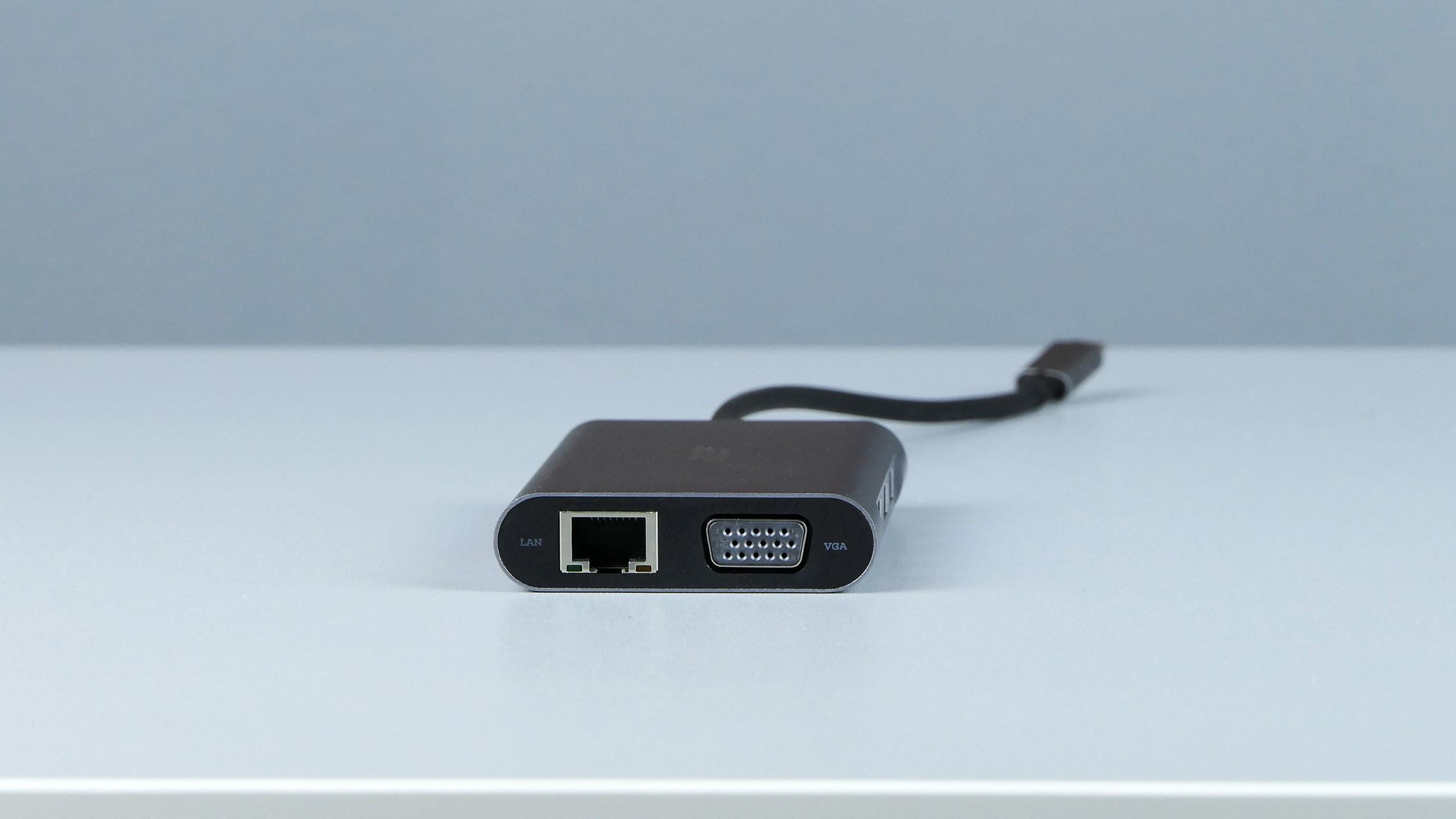 Acer 10 Ports Mini Dock - gniazdo VGA oraz LAN (RJ-45)