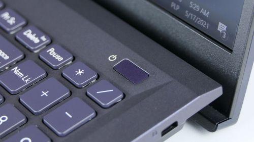 W obu laptopach przycisk zasilania połączono zczytnikiem linii papilarnych
