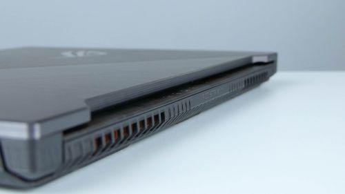 Asus ROG Strix Scar II GL704 - dysze układu chłodzenia