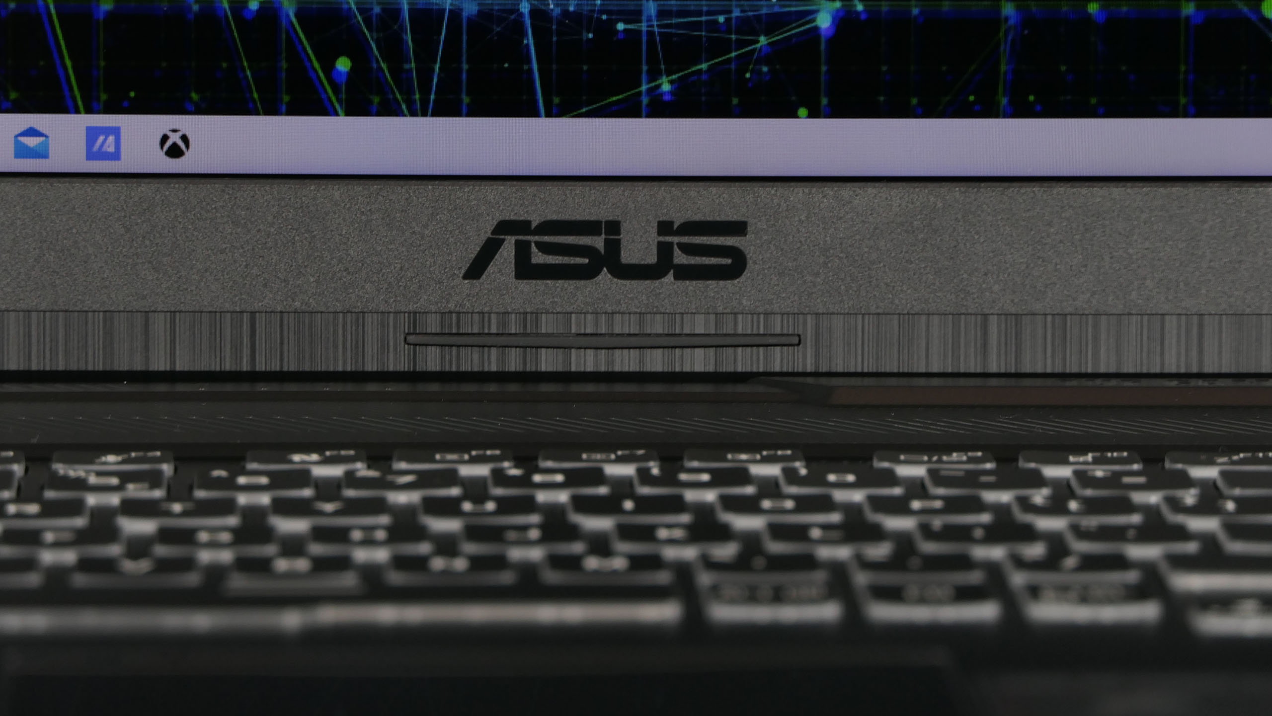 Asus TUF Gaming A17 - pulpit