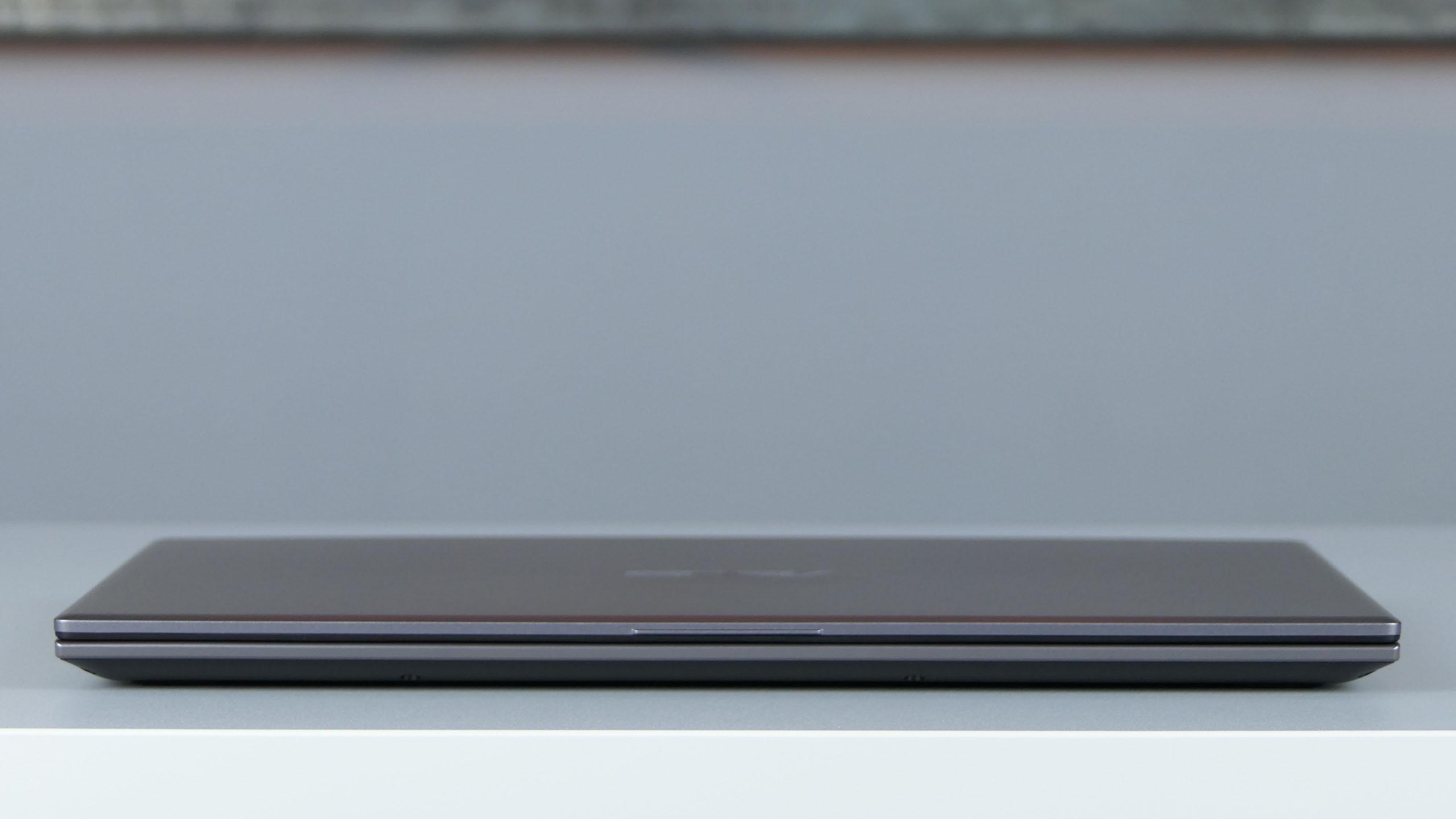 Asus VivoBook 15 X512UA / R564U - front notebooka