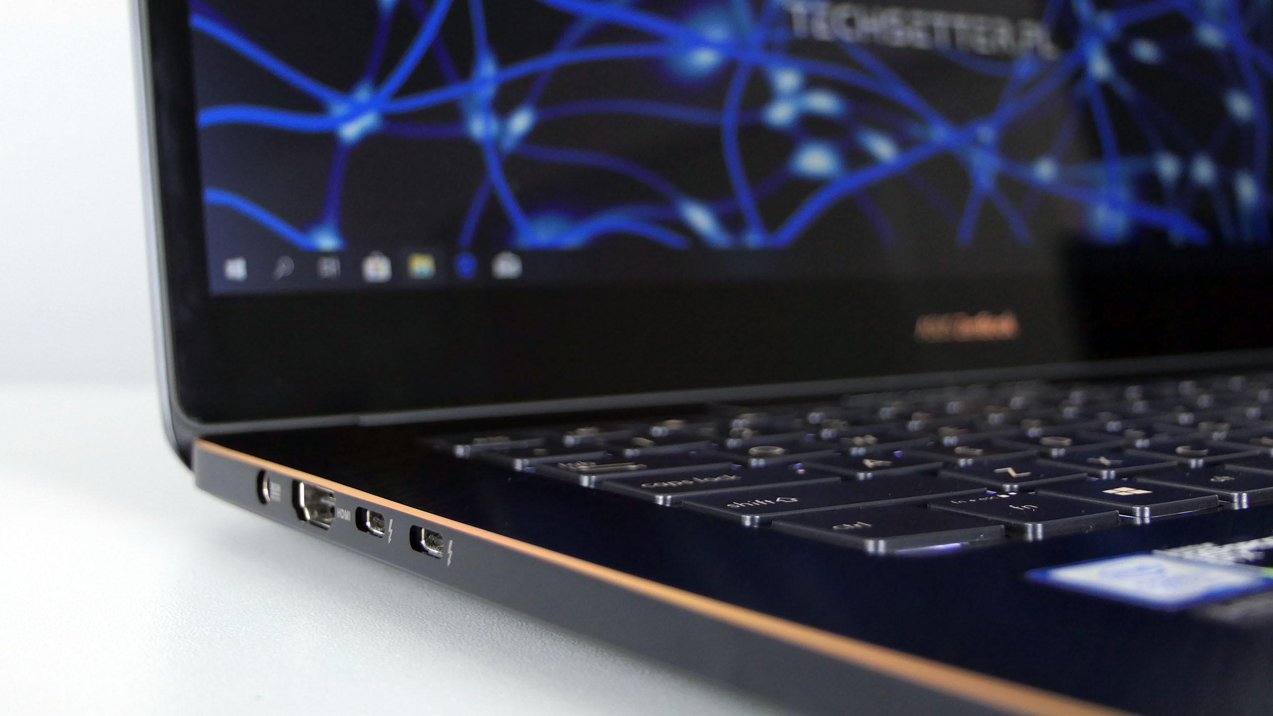 Asus ZenBook Pro 15 - porty z lewej strony: zasilanie, HDMI, 2x Thunderbolt 3