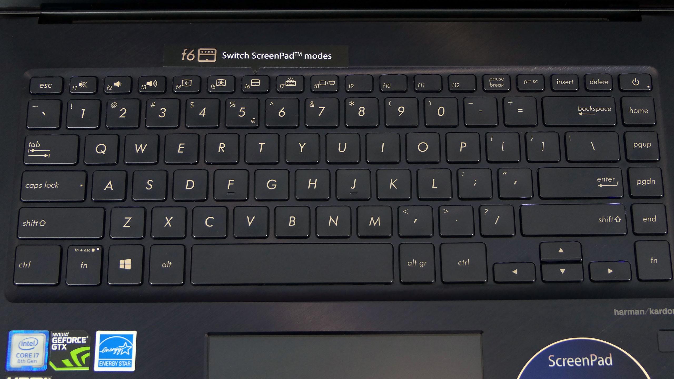 Asus ZenBook Pro 15 - klawiatura
