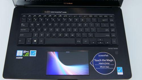 Asus ZenBook Pro 15 - pulpit roboczy