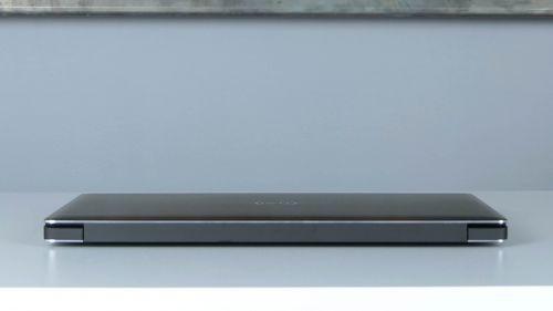 Dell Precision 15 5530 - tył laptopa