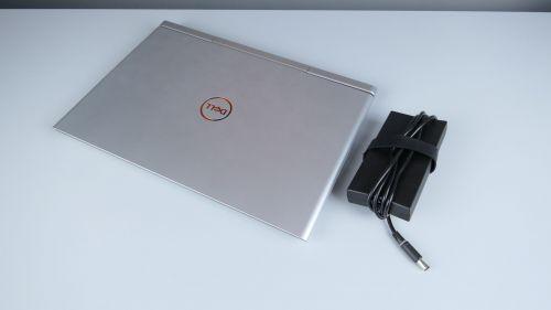 Dell Vostro 7580 z zasilaczem
