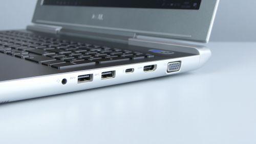 Dell Vostro 7580 - port audio, dwa USB 3.0, Thunderbolt 3, HDMI oraz VGA