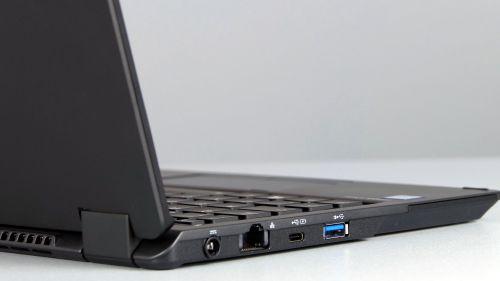 Fujitsu LifeBook P728 - porty na lewym boku: zasilanie, RJ-45, USB typu C, USB 3.0