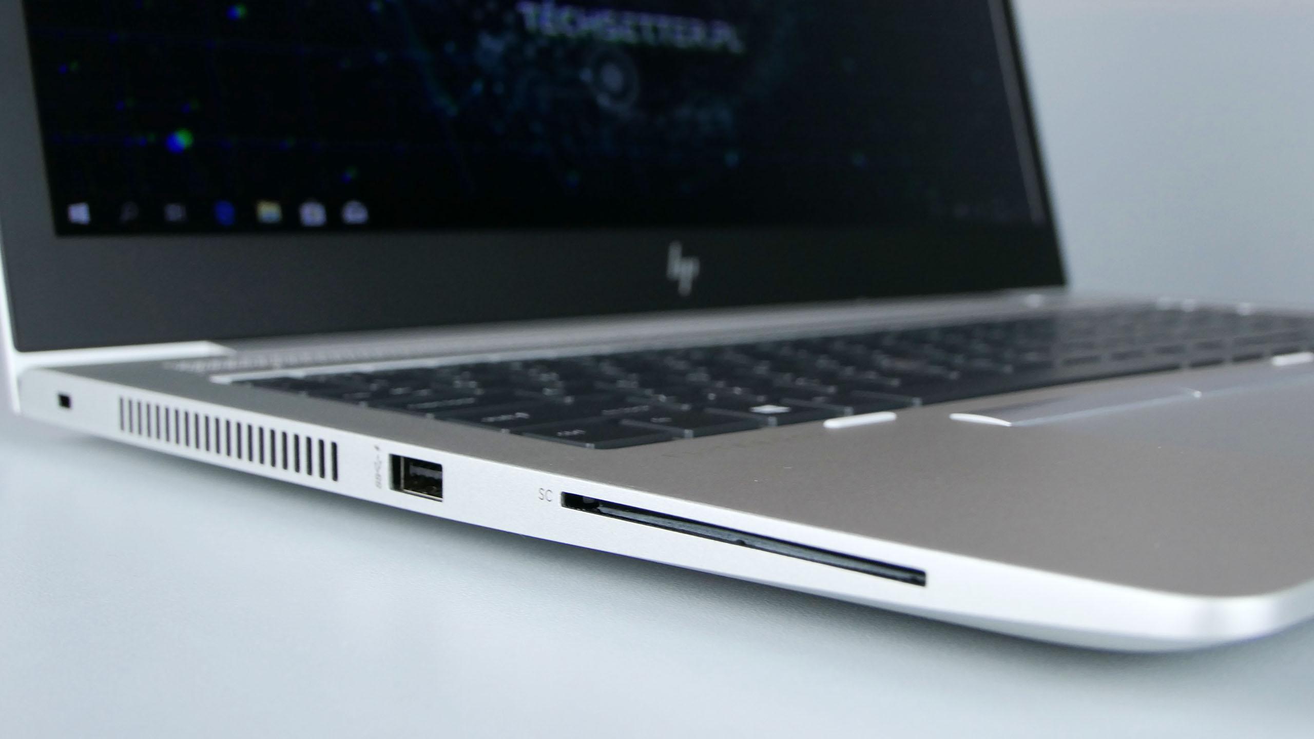 HP EliteBook 850 G6 - jeden port USB 3.0 orazczytnik Smart Card umieszczono zlewej strony