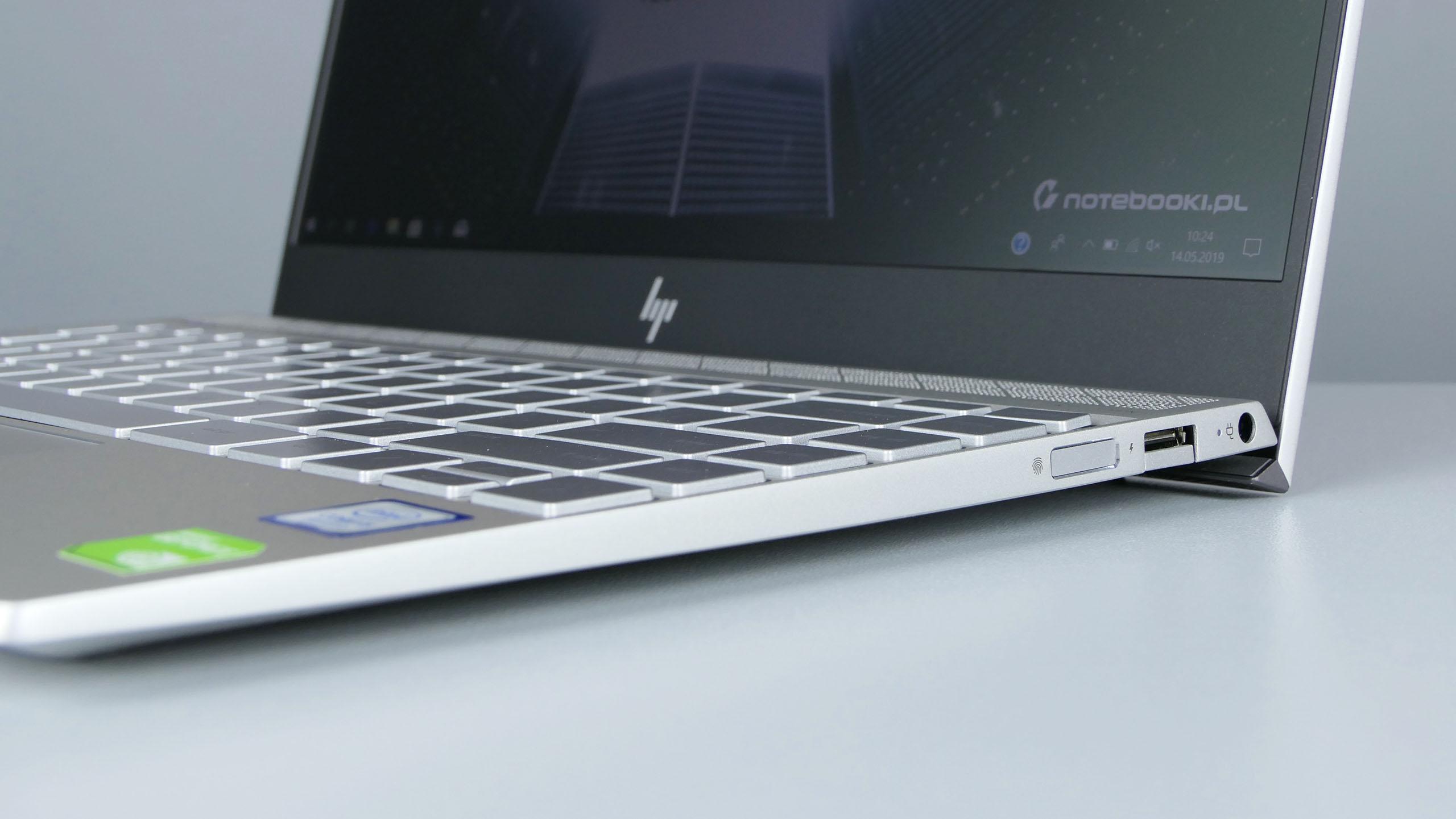 HP Envy 13 - prawy bok: czytnik linii papilarnych, USB 3.0, zasilanie