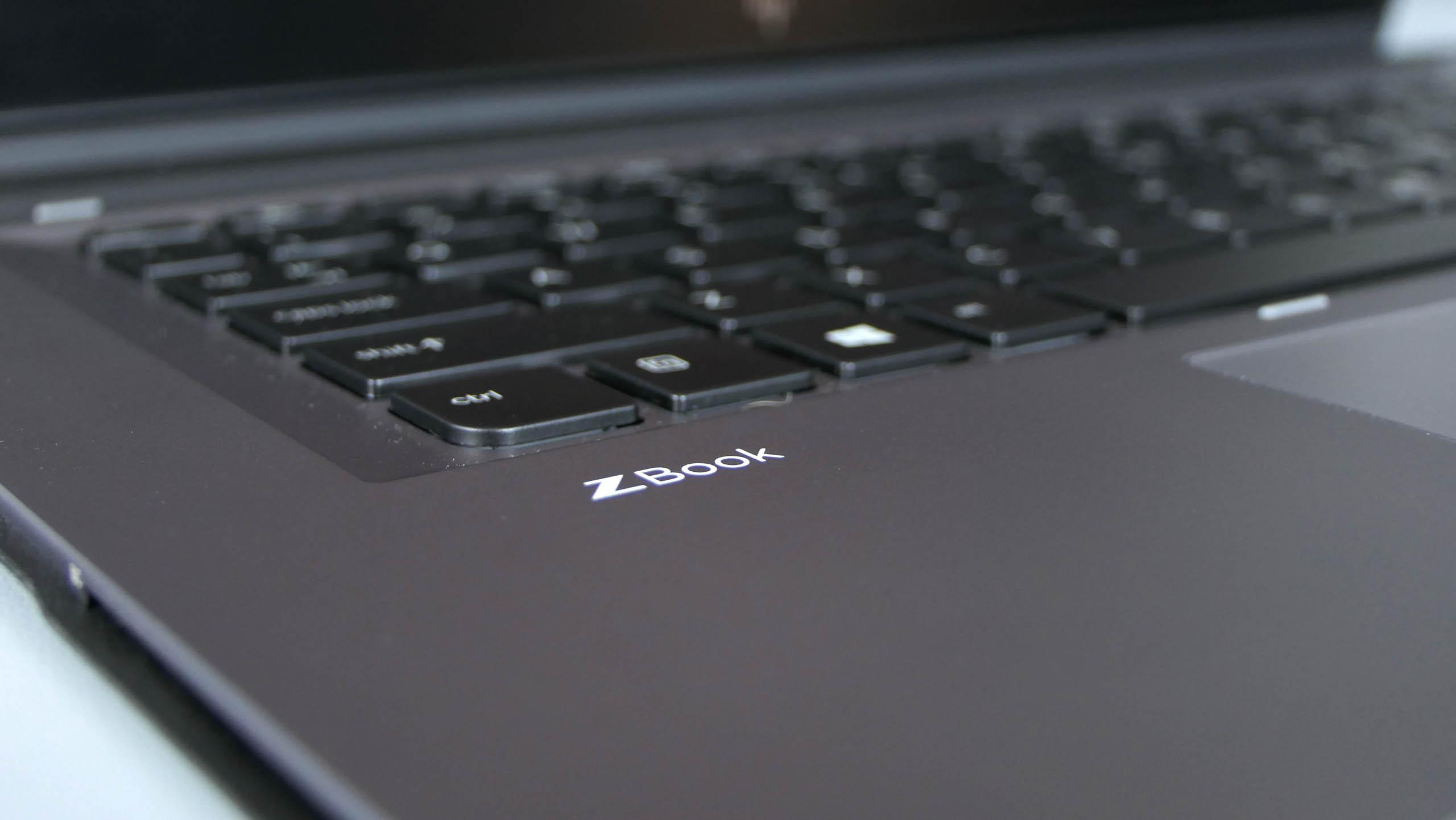 HP ZBook x2 G4 - wzmocniona aluminium klawiatura