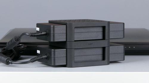 Hyperbook GTR - dwa zasilacze