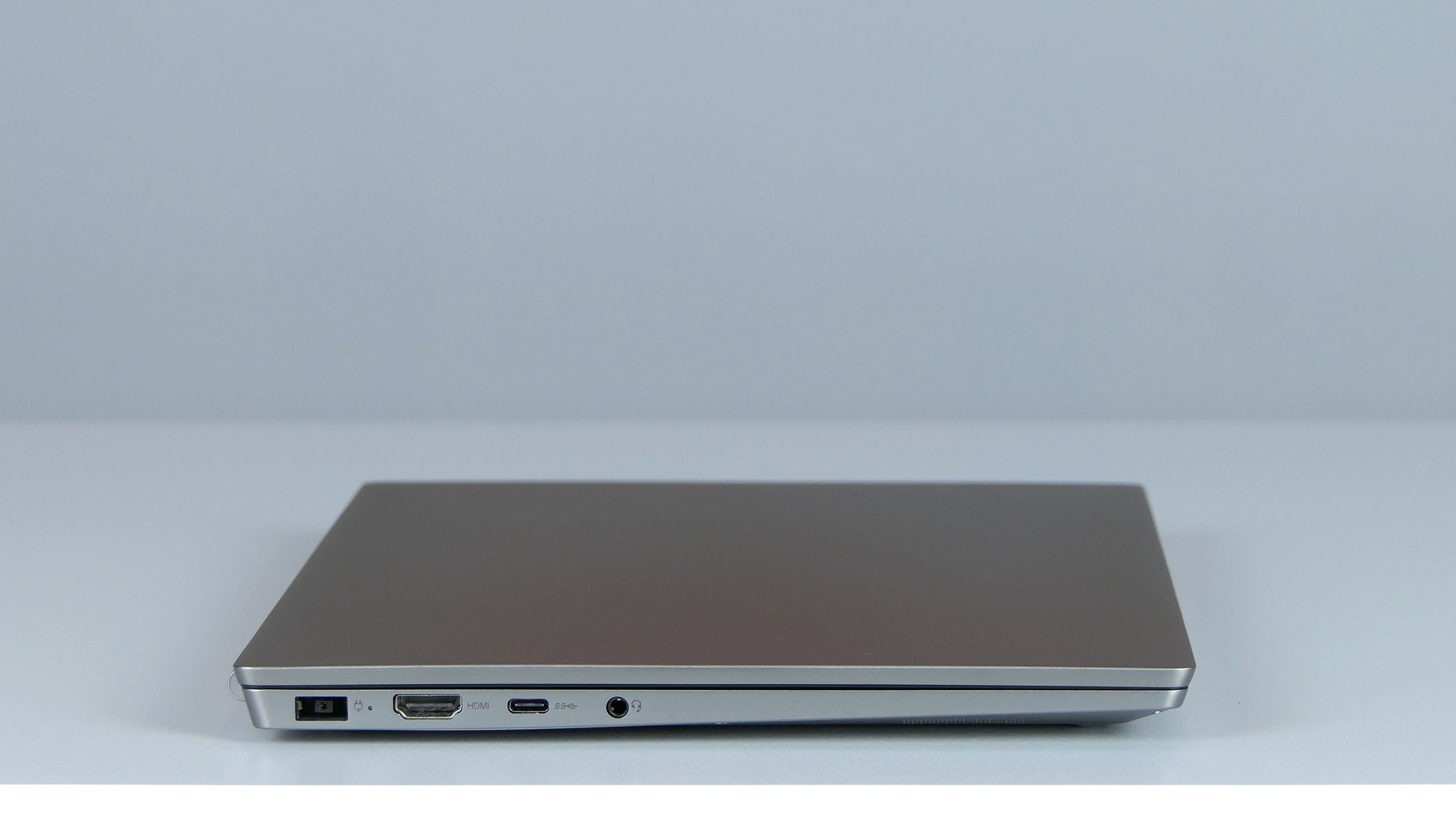 Lenovo ThinkBook 13s - lewy bok laptopa