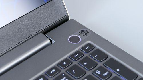 Lenovo ThinkBook 15p - czytnik linii papilarnych wprzyciski zasilania tocoraz popularniejszy pomysł