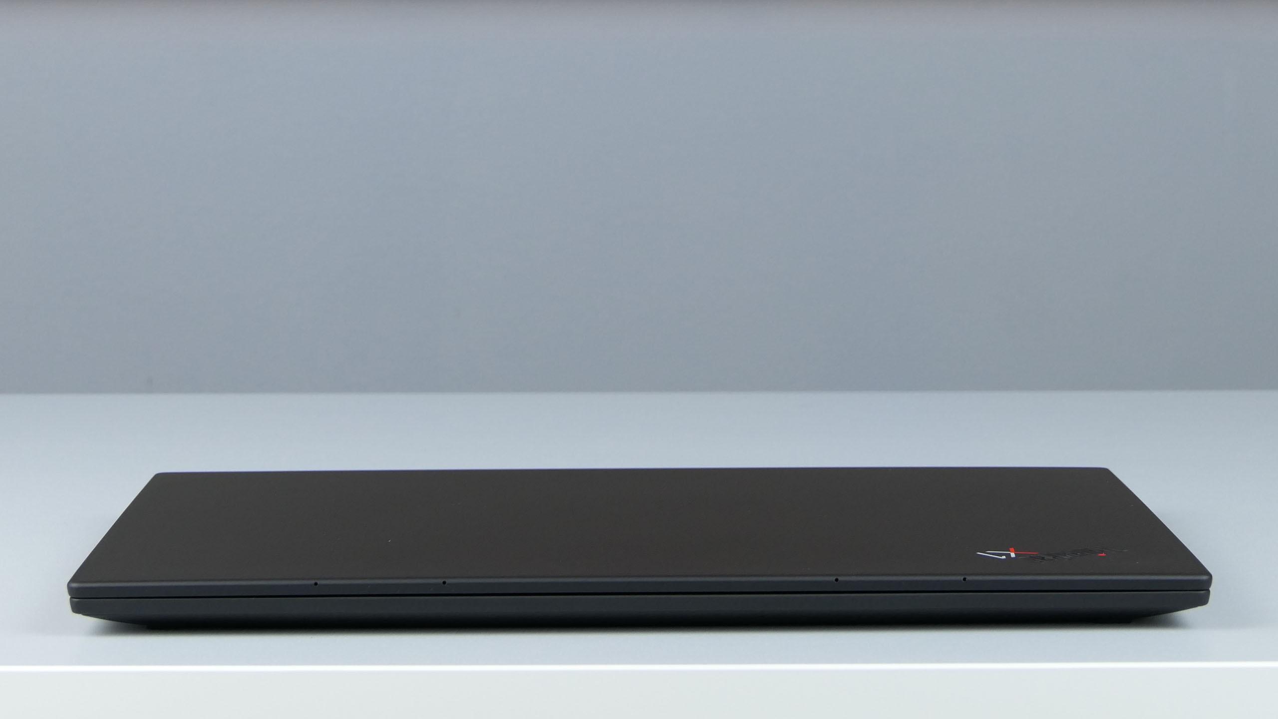 Lenovo ThinkPad X1 Carbon 8th Gen - front ultrabooka