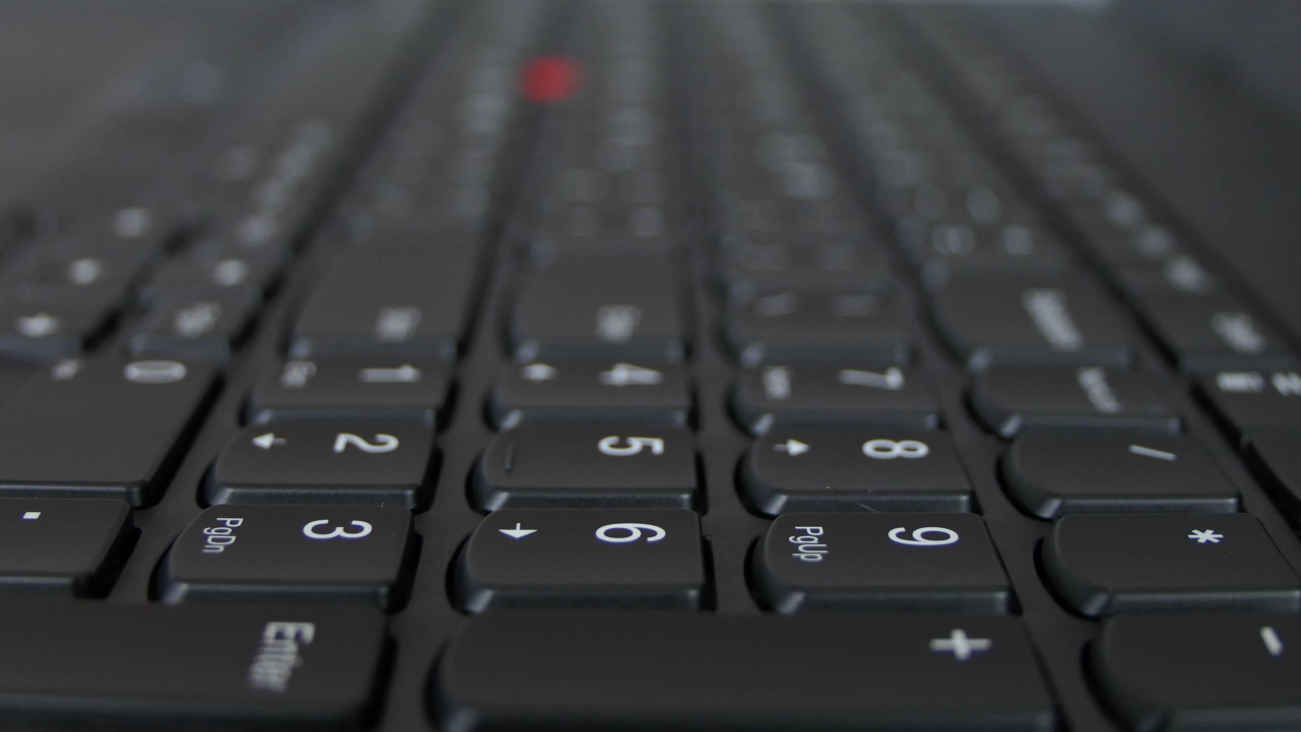Lenovo ThinkPad L580 - wyspowa klawiatura z podświetleniem