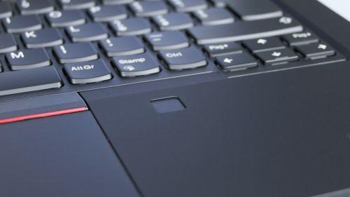 Lenovo ThinkPad P14s gen 1 - czytnik linii papilarnych