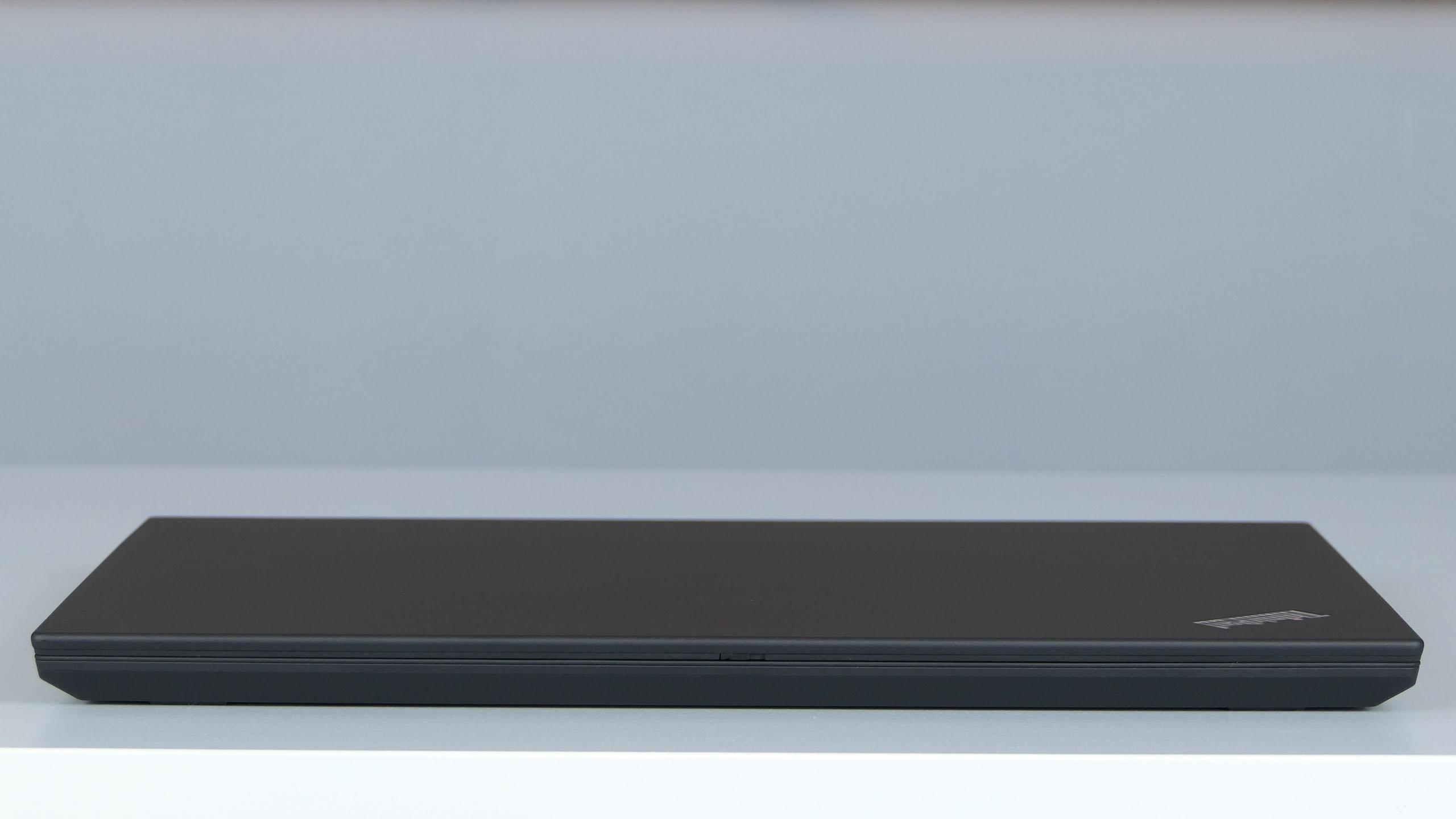 Lenovo ThinkPad P53s - front notebooka