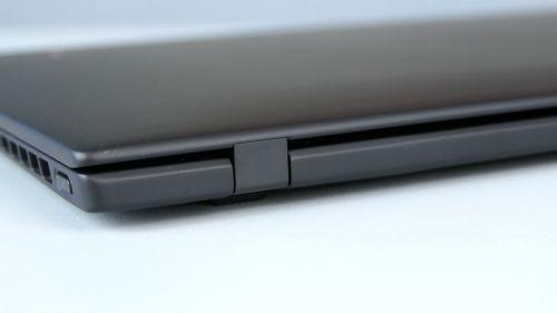 Lenovo ThinkPad X1 Nano Gen 1 - zawiasy zabezpieczono metalową obudową