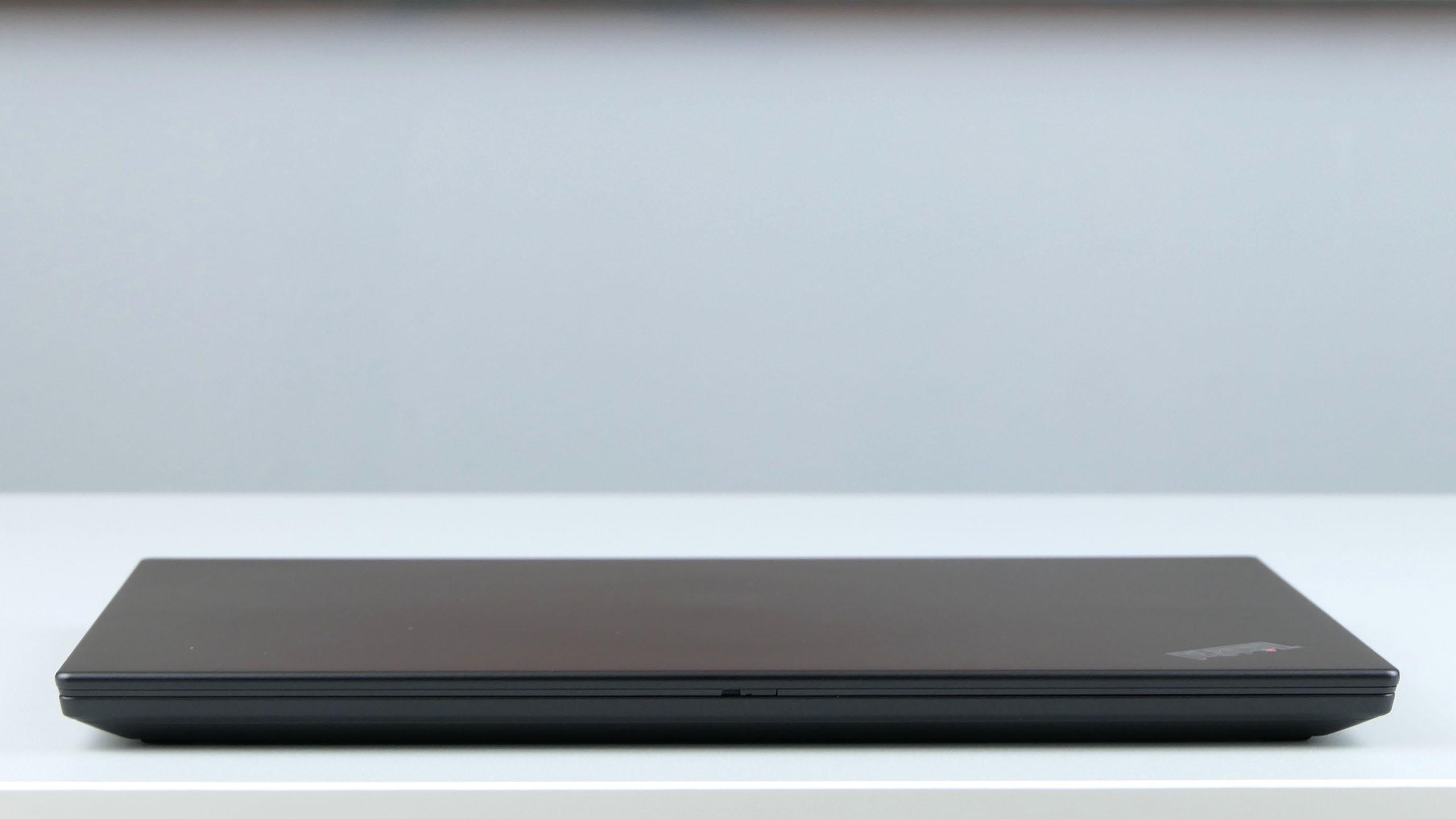 Lenovo ThinkPad X395 - front ultrabooka