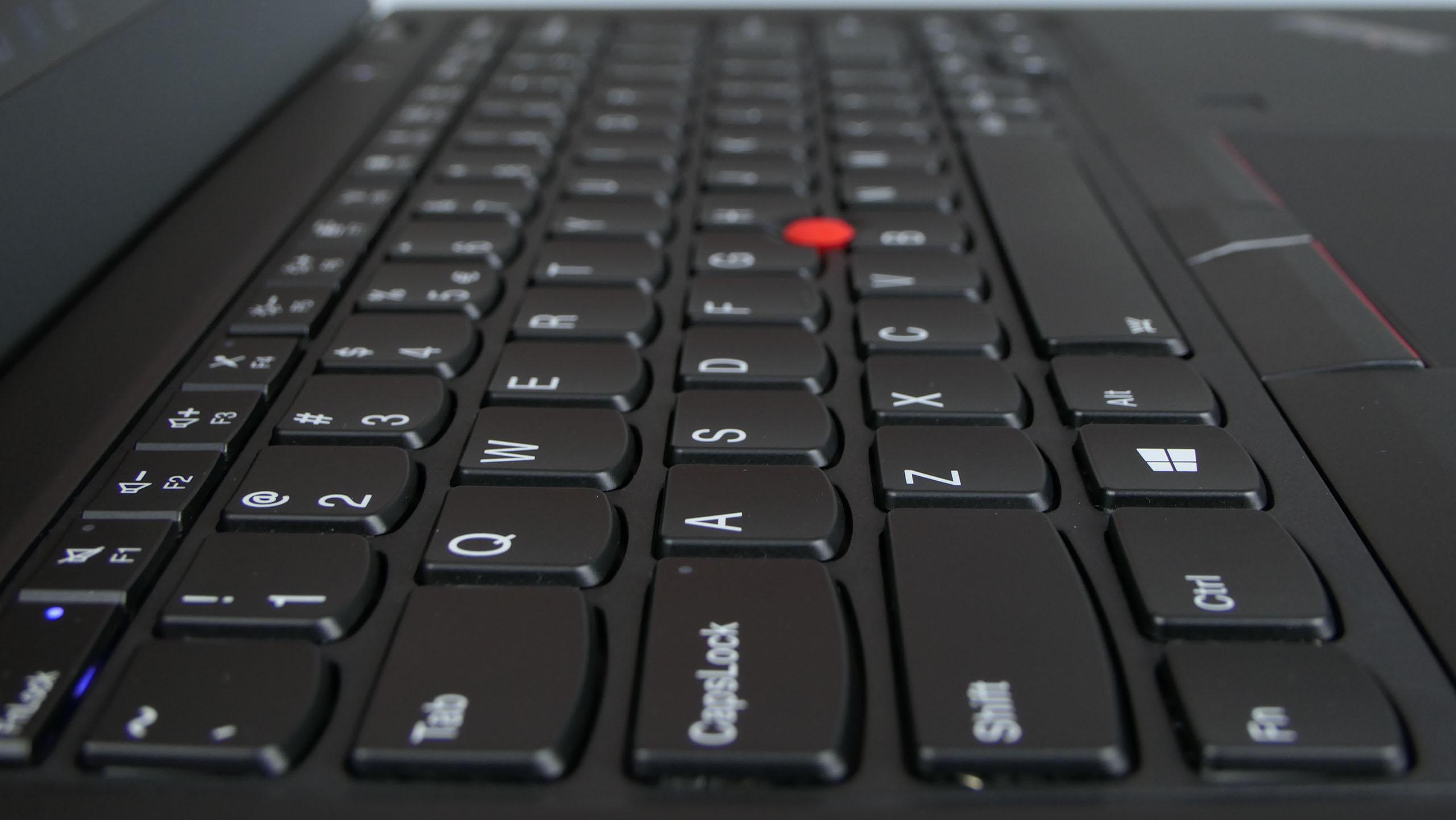 Lenovo ThinkPad X395 - wyspowa klawiatura