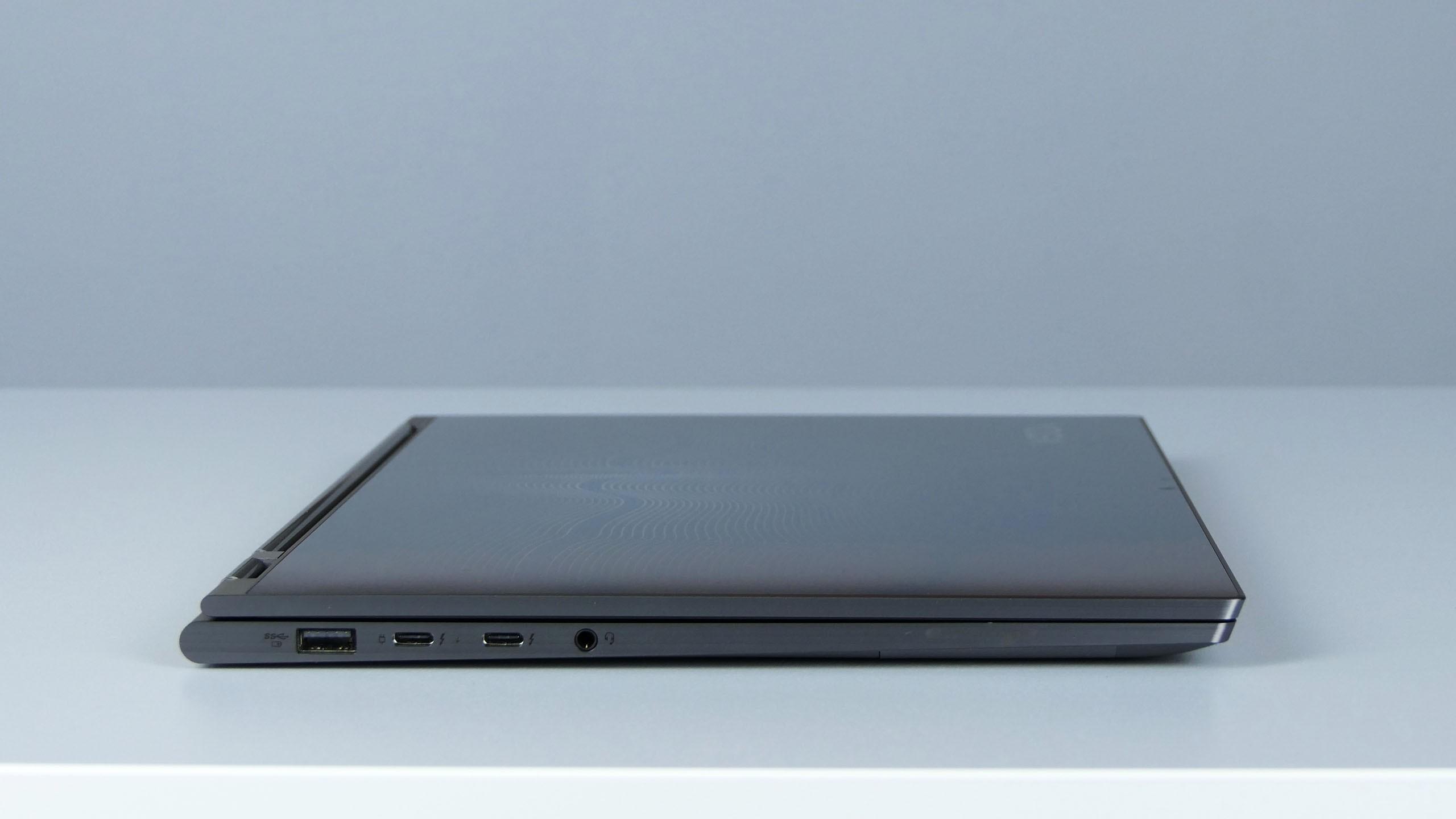 Lenovo Yoga C930 - lewy bok