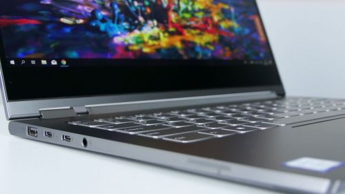 Lenovo Yoga C930 - porty na lewym boku: USB 3.0, 2x Thundebolt 3, audio in/out