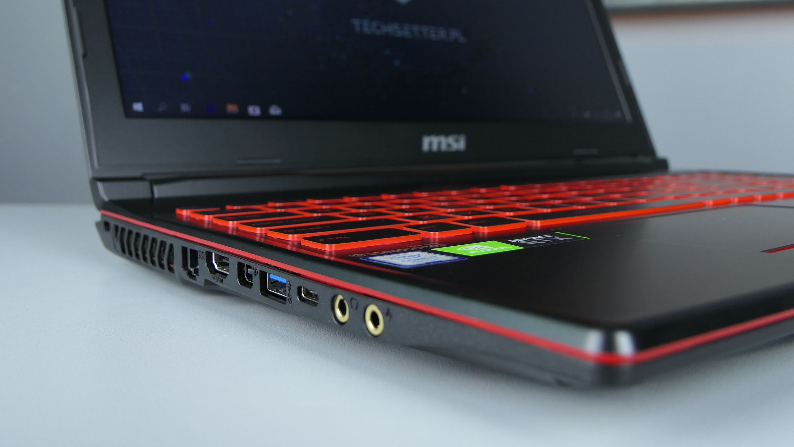 MSI GL63 8RF - LAN, HDMI, mini-DP, USB 3.0, USB 3.1 typu C, gniazda audio