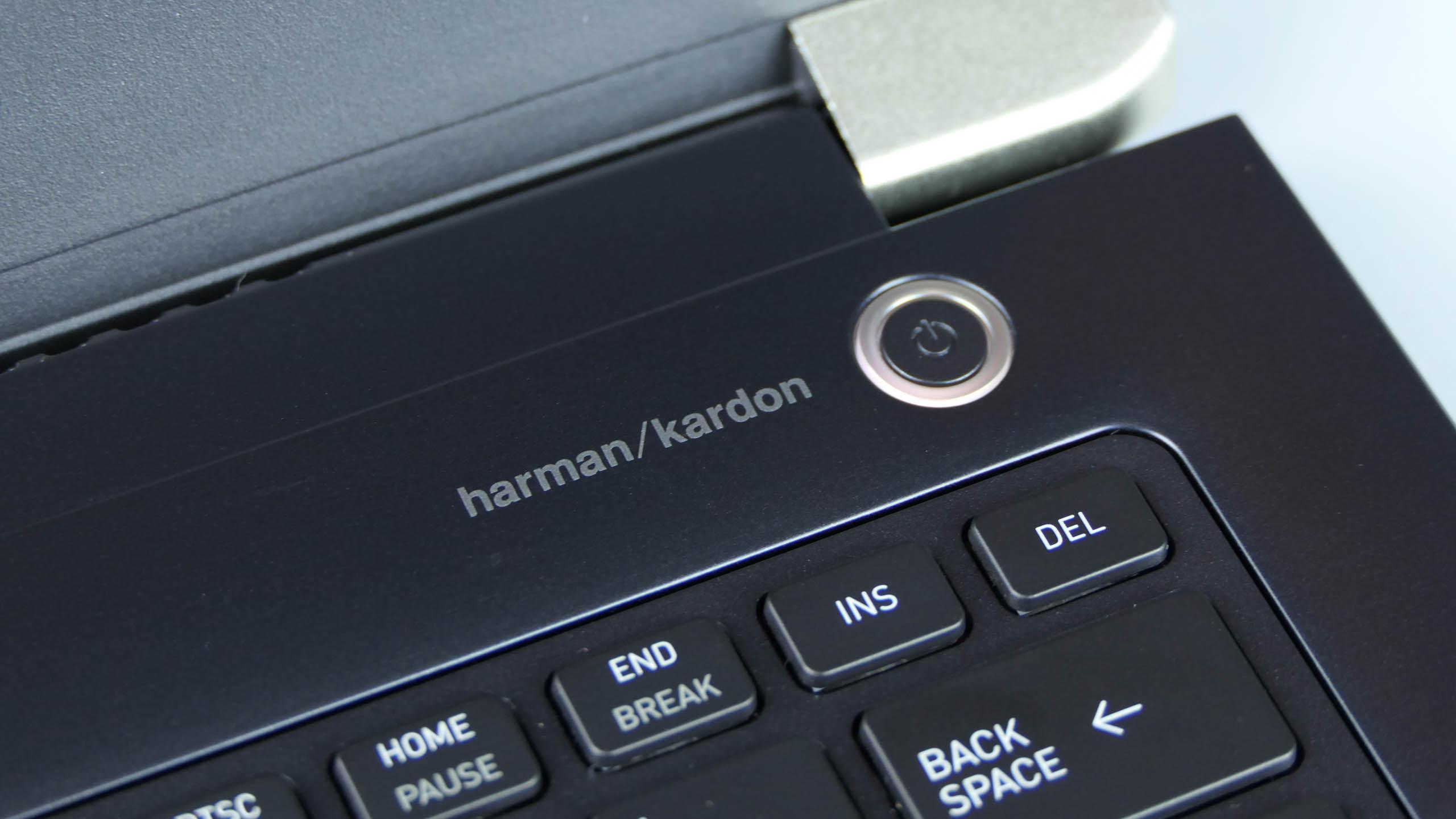 Toshiba Portege X30-D - przycisk zasilania