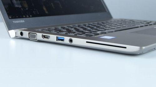 Toshiba Portege Z30-E - gniazdo zasilania, VGA, HDMI, USB 3.0, audio, czytnik Smart Card