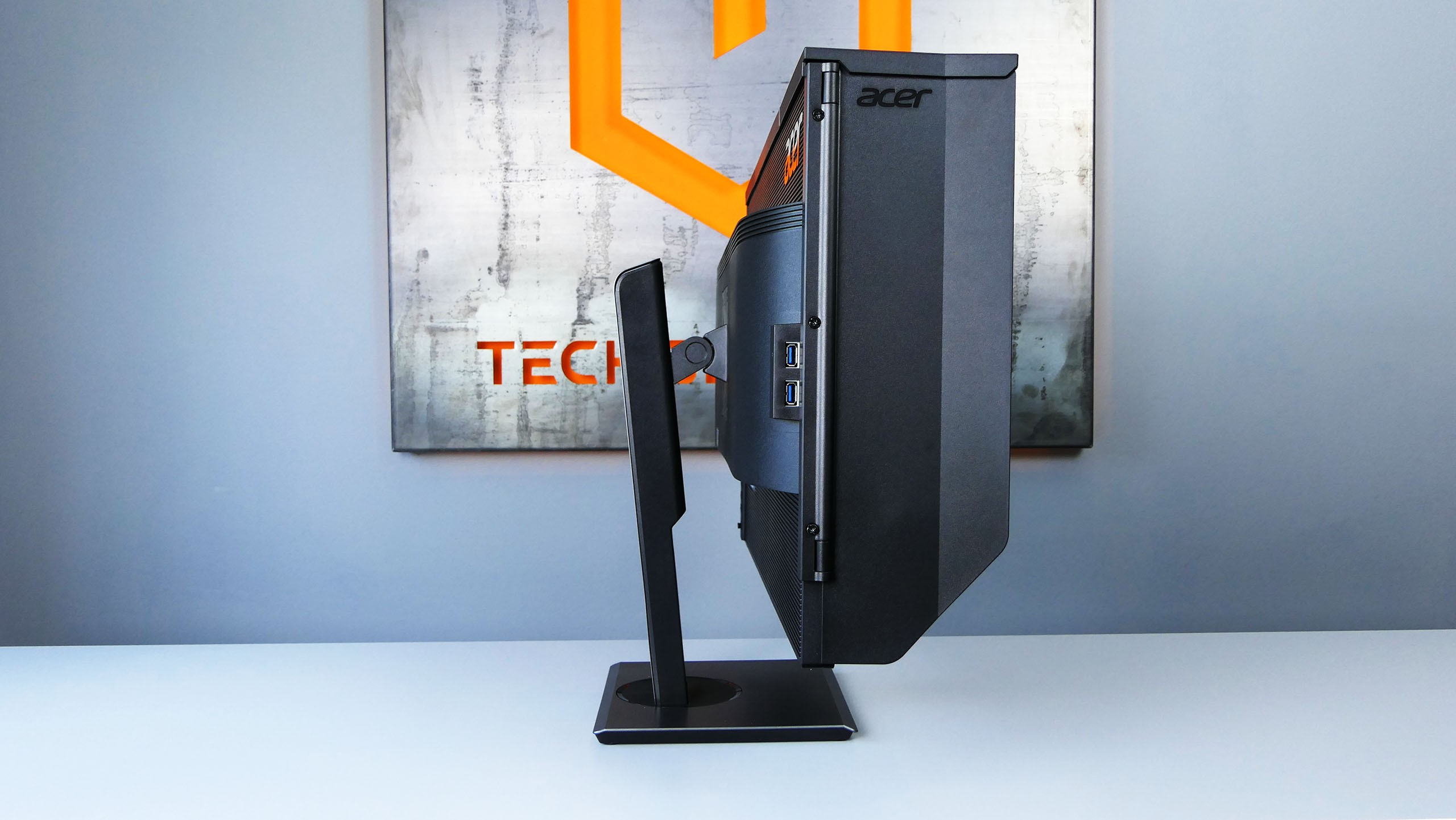 Acer ProDesigner PE320QK z kapturem