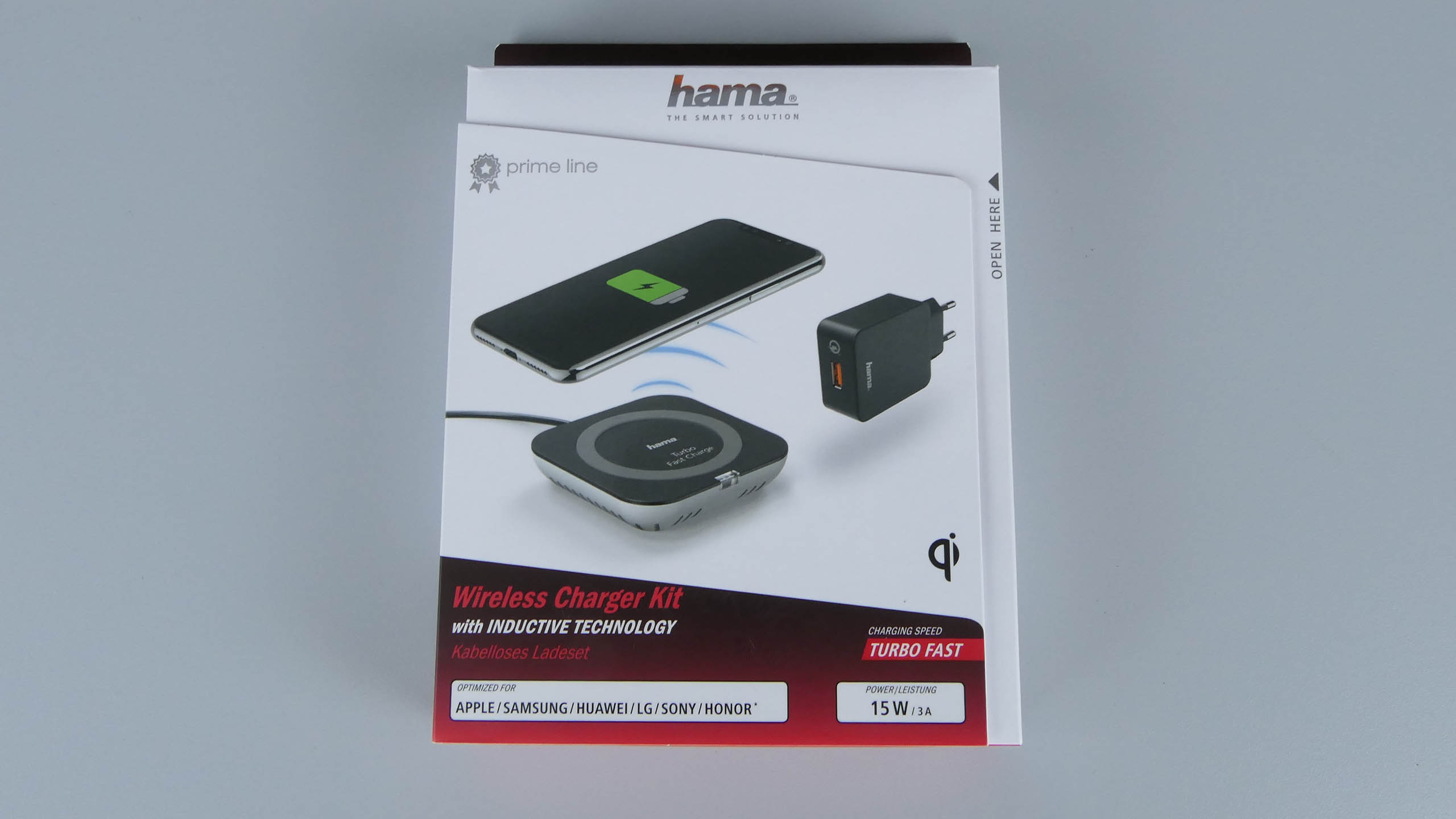 Hama TFC15 Wireless Fast Charger w opakowaniu